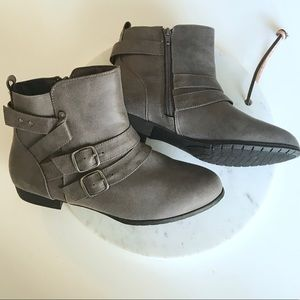 Rampage Grey Ankle Boots sz 7.5